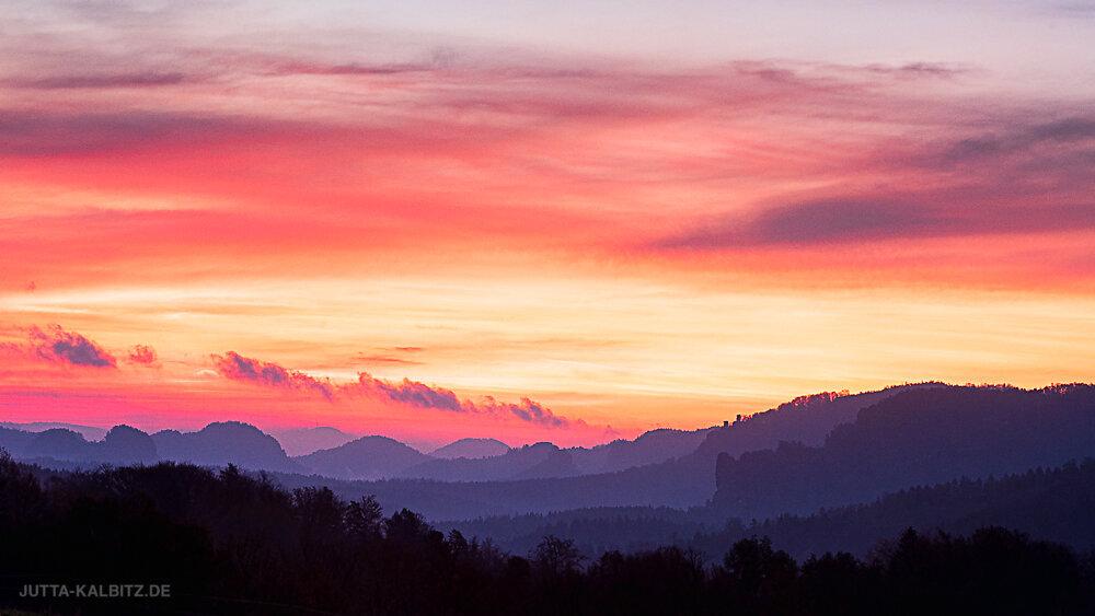 Morgen im Elbsandsteingebirge